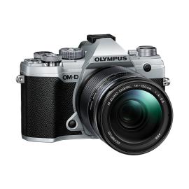 Olympus E-M5 Mark III + 14-150 mm