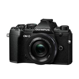 Olympus E-M5 Mark III + 14-42 mm EZ